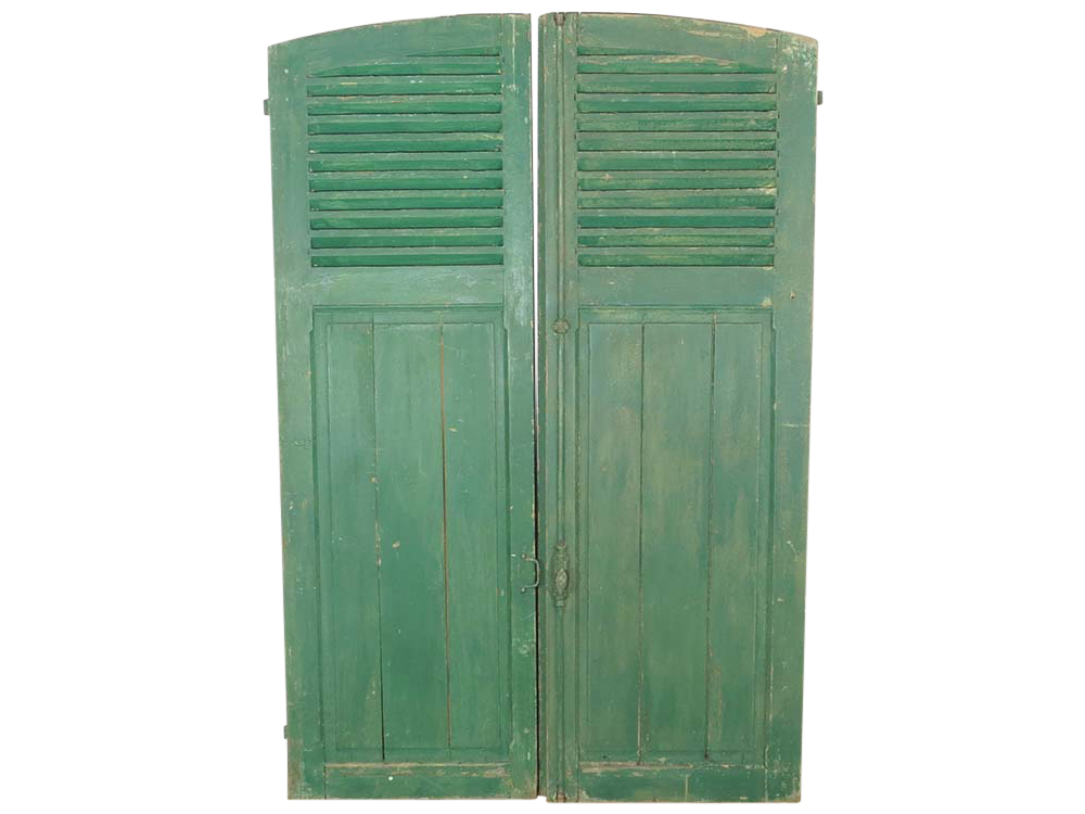 D8istressed French Shutters to Hire