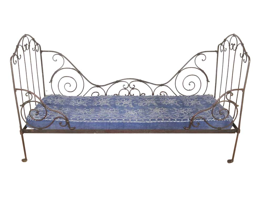 Vintage Daybed for hire Cheltenham