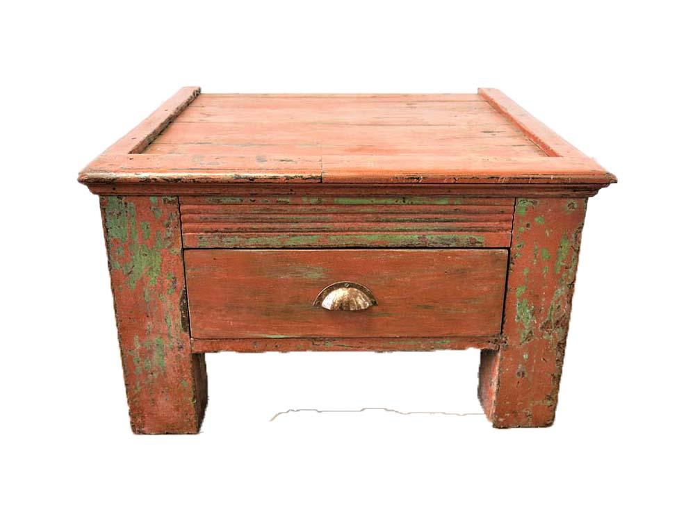 Merchants Desk for Hire