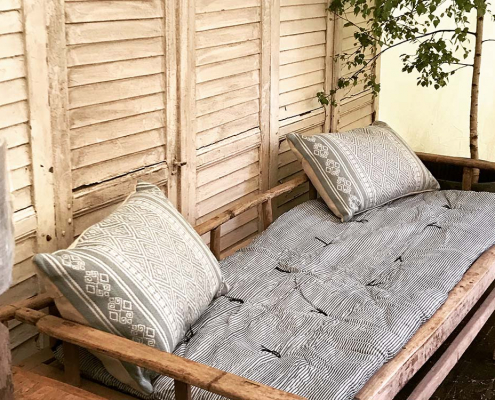 Antique Elm Daybed for Hire