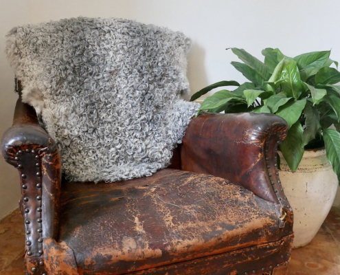 Medium Gotland Sheepskin Silver